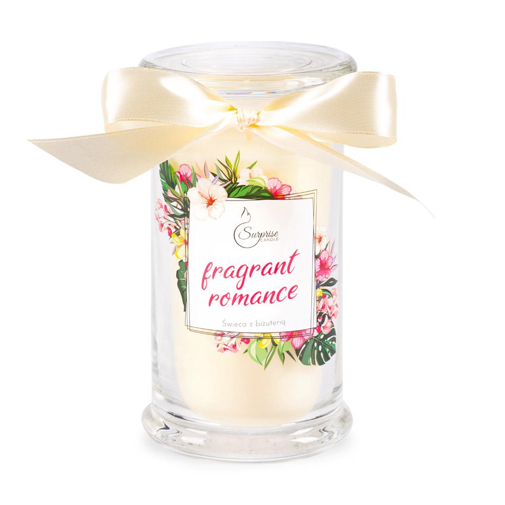 świeca o zapachu kwiatowym z biżuteria