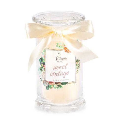 świeca zapachowa z biżuteria
